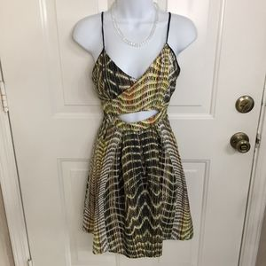 Forever 21 Yellow Print Front Keyhole Dress (XS)